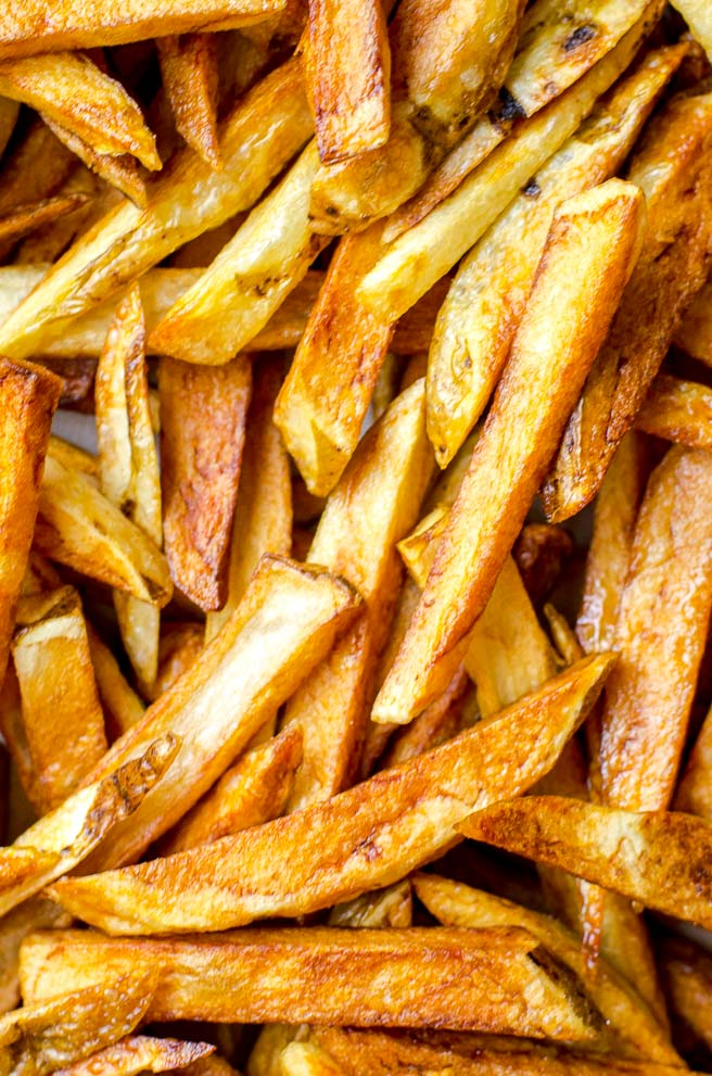 Close up of a pile of french fries.